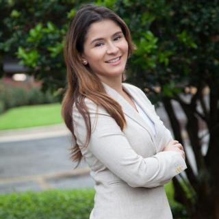 Stephanie N Alcalde